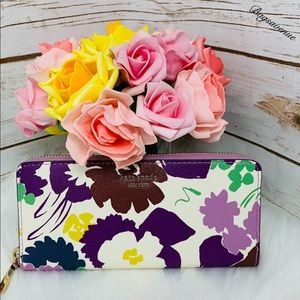 Kate spade Sylvia floral swing continental wallet